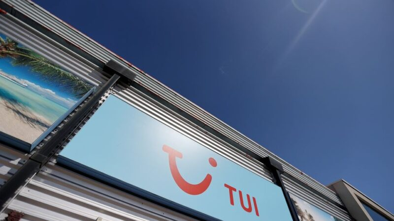 TUI to raise 1.1 bln euros in equity after summer bookings boost